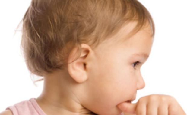 Votre bébé et ses cheveux  une petite coupe ?