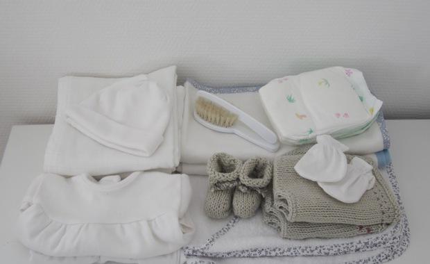 pr parer sa valise pour la maternit que prendre. Black Bedroom Furniture Sets. Home Design Ideas