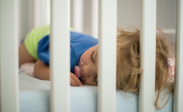Baby.be - Comment faire pour que bébé dorme seul dans sa chambre ?