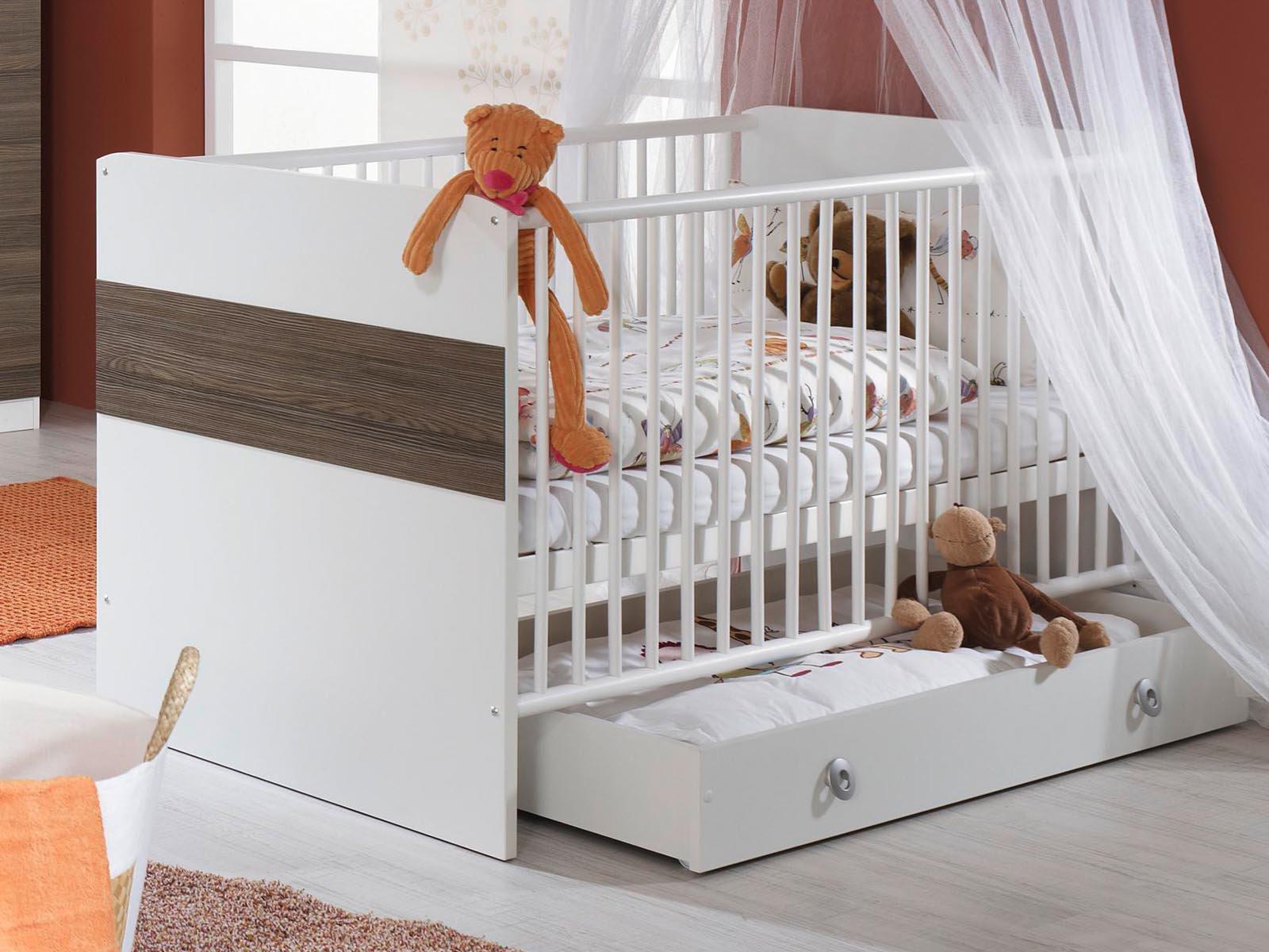 s curit et lit de b b quelques conseils pour. Black Bedroom Furniture Sets. Home Design Ideas